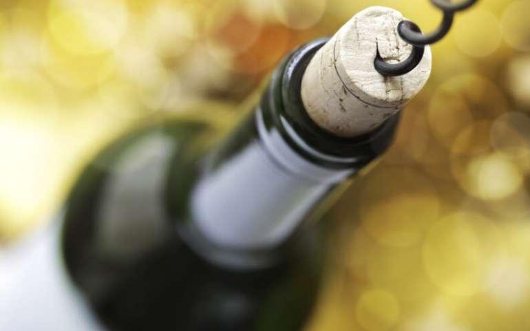 ¿Cómo abrir correctamente una botella de vino?